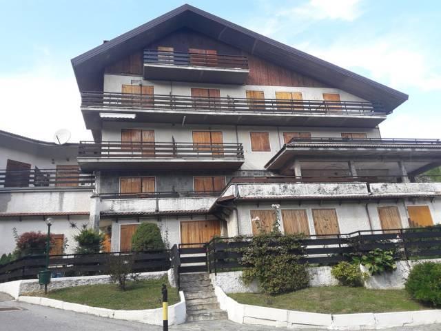 Appartamento in buone condizioni arredato in affitto Rif. 4204985