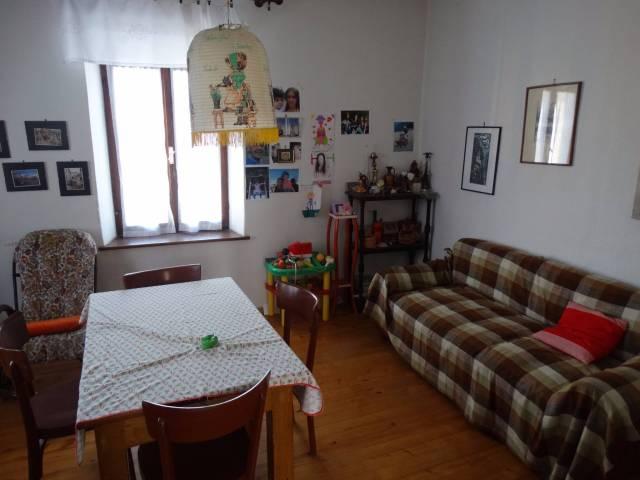 Appartamento da ristrutturare parzialmente arredato in vendita Rif. 5011762