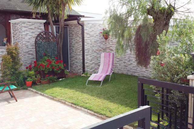 Villa a schiera trilocale in vendita a Carovigno (BR)