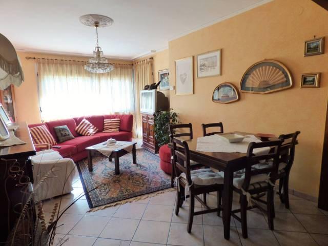 Boves, ampio alloggio su due livelli via Roncaia 59