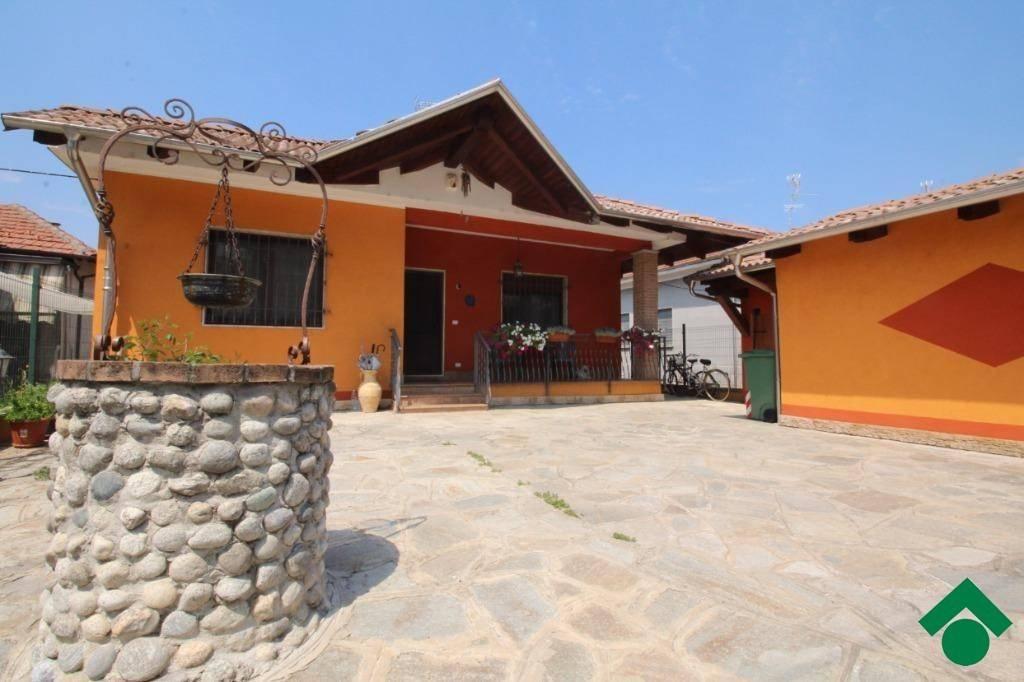 Villa in ottime condizioni in vendita Rif. 9164036