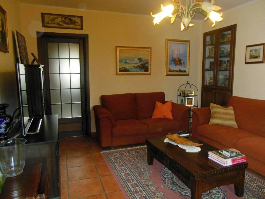 Appartamento in ottime condizioni in vendita Rif. 4252814