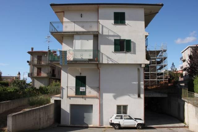 Appartamento in ottime condizioni in vendita Rif. 4300894