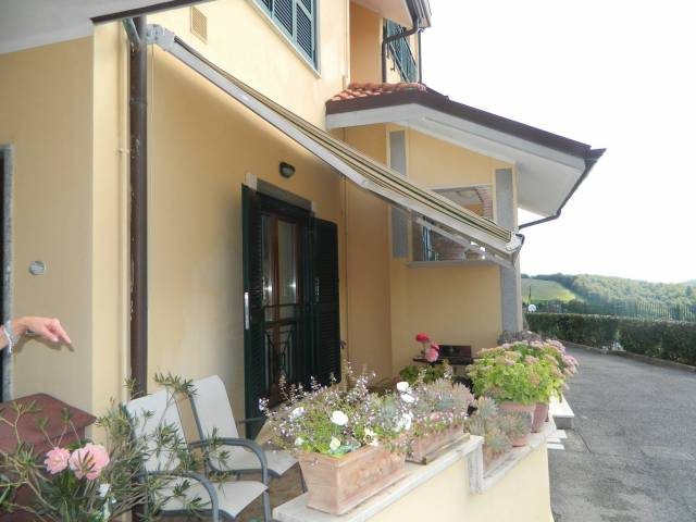 Appartamento in ottime condizioni parzialmente arredato in affitto Rif. 4515148