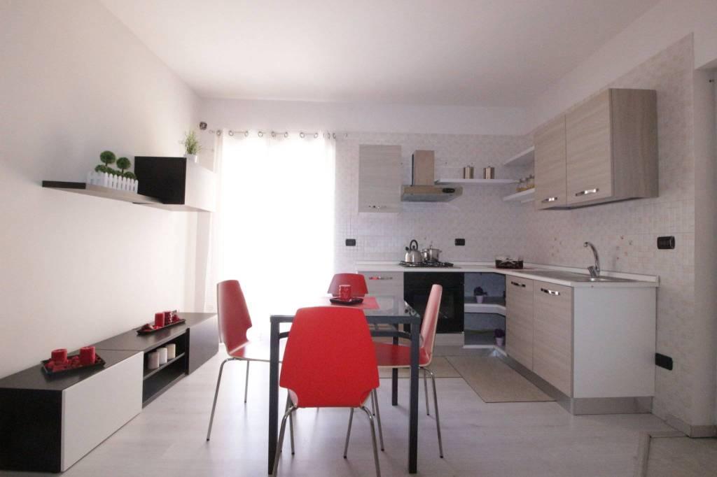 Appartamento in ottime condizioni arredato in affitto Rif. 7541398