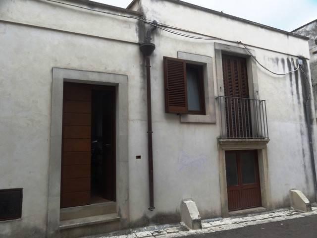 Appartamento in Vendita a Uggiano La Chiesa Centro: 3 locali, 50 mq