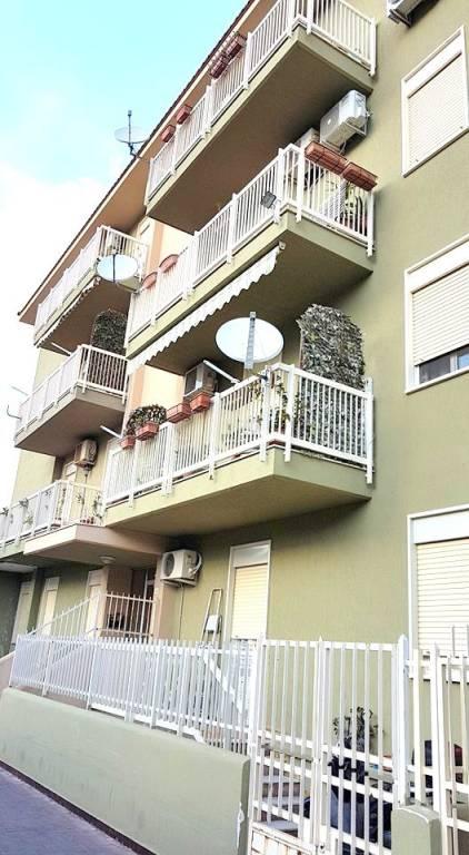 Appartamento in ottime condizioni in vendita Rif. 8645051