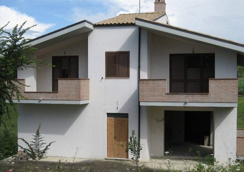 Rustico / Casale in buone condizioni parzialmente arredato in vendita