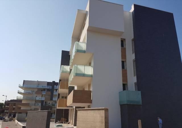 Appartamento in buone condizioni in vendita Rif. 6710620