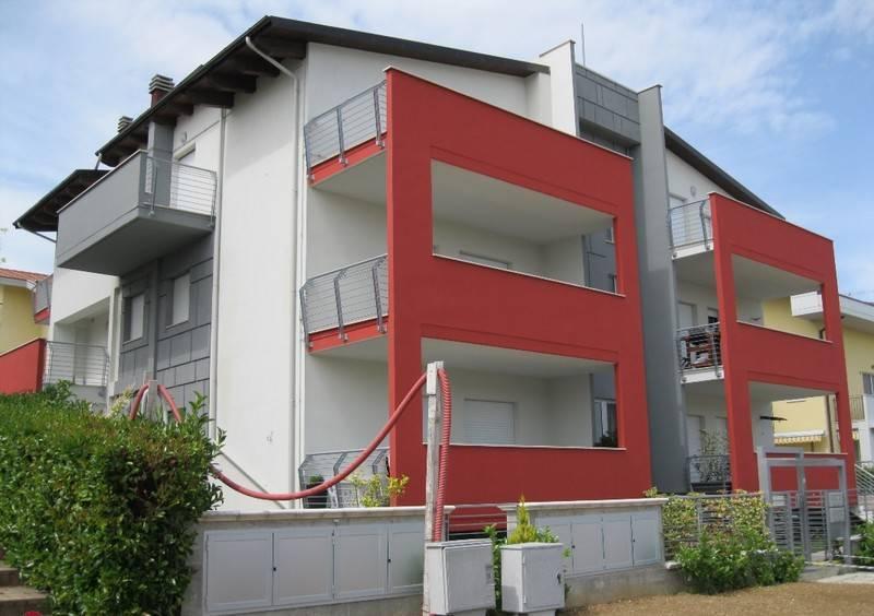 Appartamento in ottime condizioni in vendita Rif. 8327982