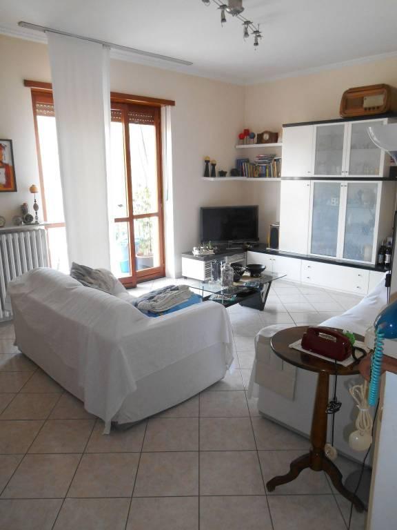Appartamento in vendita a Alba, 4 locali, prezzo € 175.000 | CambioCasa.it