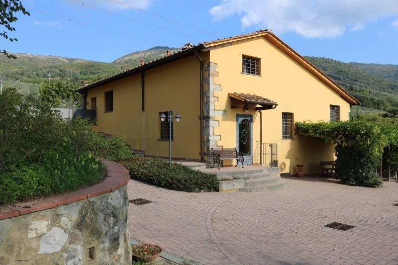 Rustico / Casale in ottime condizioni parzialmente arredato in vendita Rif. 4256939