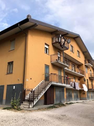 Appartamento in buone condizioni in vendita Rif. 4521607