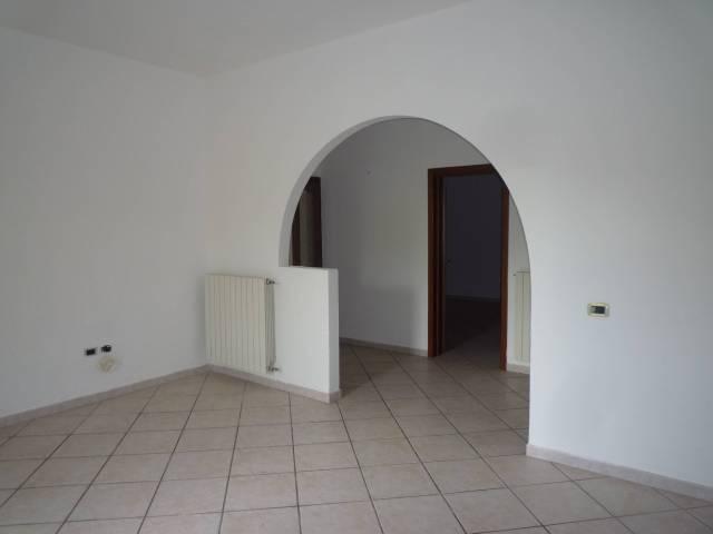 Appartamento in ottime condizioni in affitto Rif. 4565907