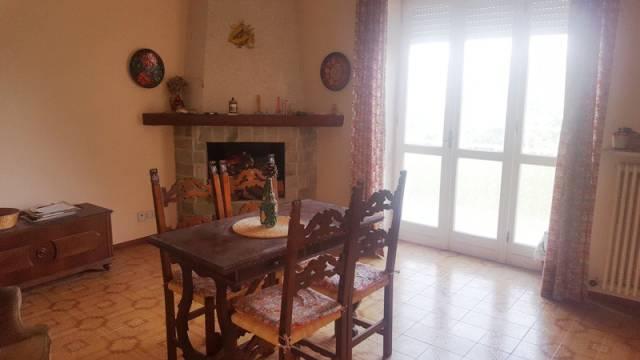 Appartamento in buone condizioni parzialmente arredato in vendita Rif. 4222583
