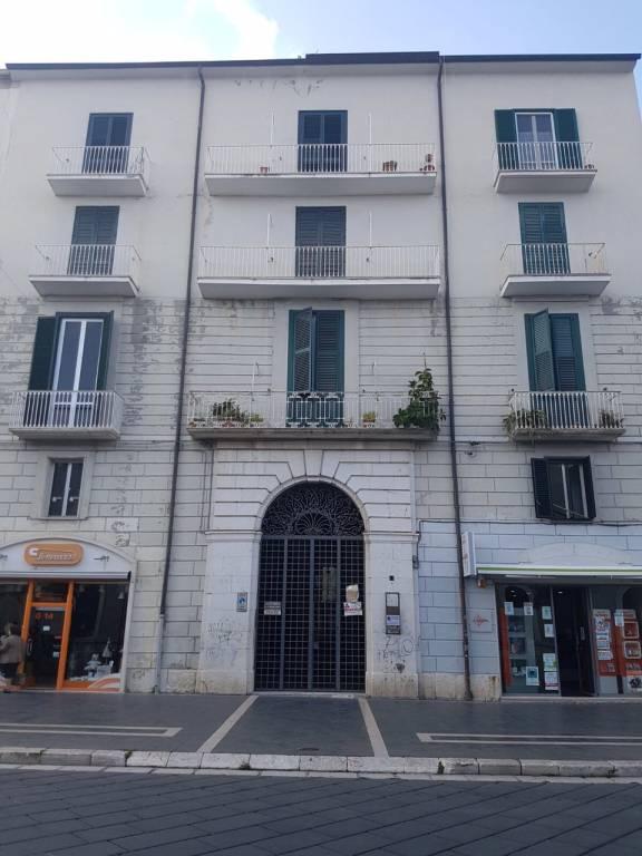 Appartamento da ristrutturare in vendita Rif. 8846261