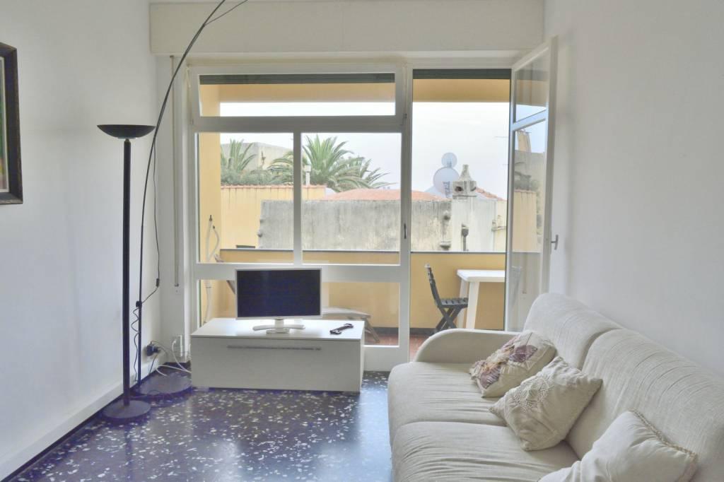 Appartamento in ottime condizioni arredato in affitto Rif. 6947820