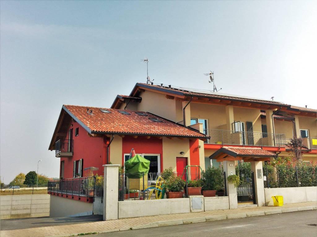 Villa in vendita a Bernezzo, 5 locali, prezzo € 395.000 | CambioCasa.it