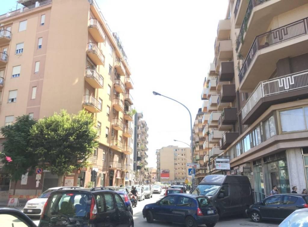 Ufficio-studio in Affitto a Palermo Centro: 5 locali, 165 mq