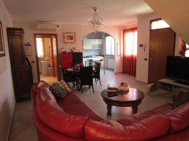 Casa Indipendente in ottime condizioni in vendita Rif. 4468772