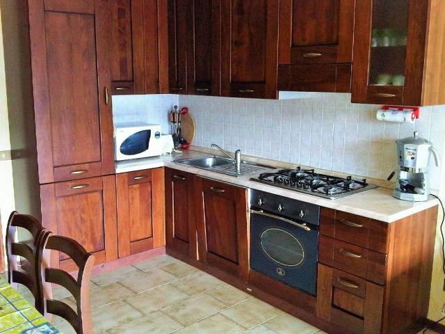 Appartamento in buone condizioni arredato in vendita Rif. 4937973