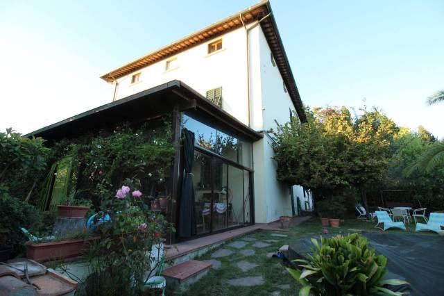 Villa in ottime condizioni parzialmente arredato in vendita Rif. 4808424