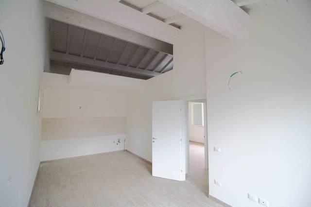 Appartamento parzialmente arredato in affitto Rif. 4565580