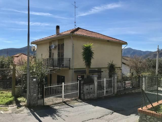 Villa in Vendita a Boissano Periferia: 5 locali, 150 mq