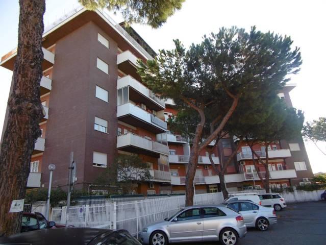 Appartamento in ottime condizioni parzialmente arredato in affitto Rif. 4851335