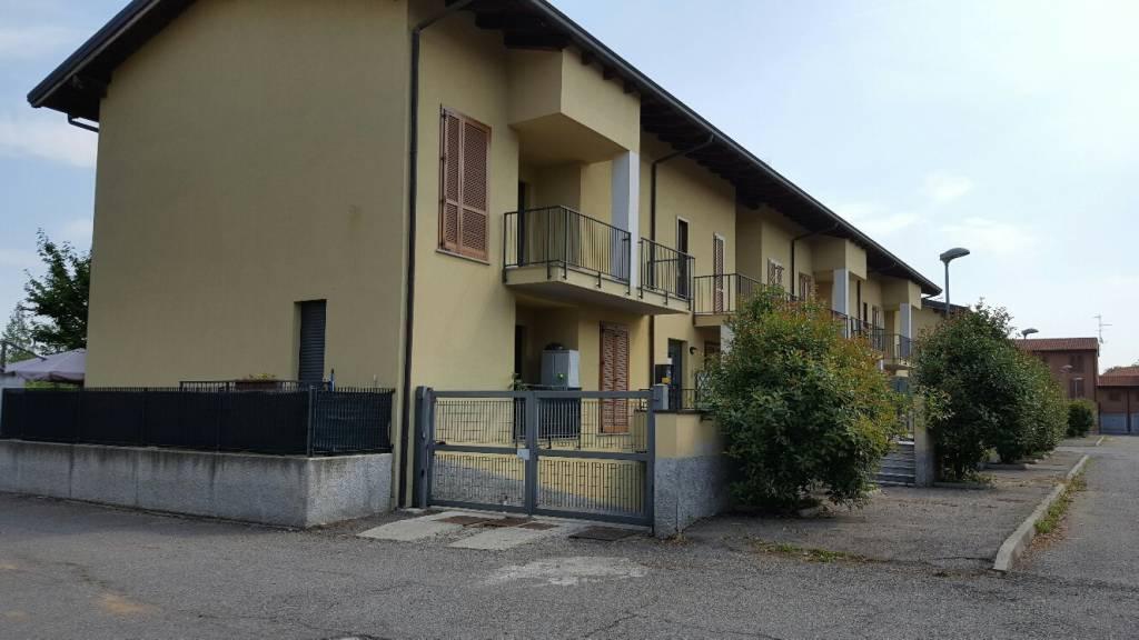 Appartamento in buone condizioni in vendita Rif. 9447959
