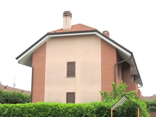 Appartamento in ottime condizioni arredato in affitto Rif. 4456990