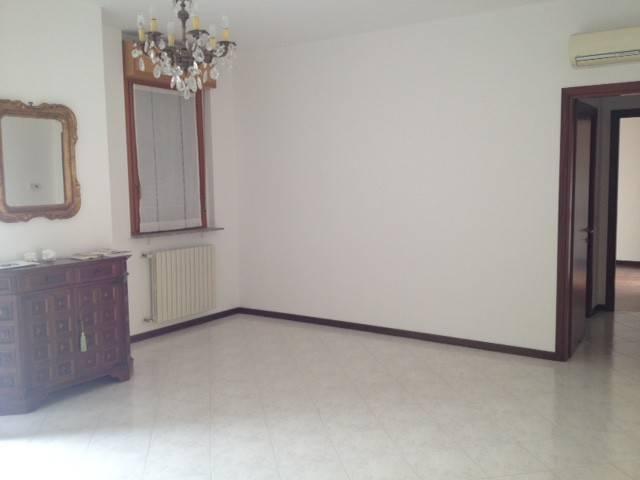 Appartamento in Vendita a Gossolengo Centro: 3 locali, 95 mq