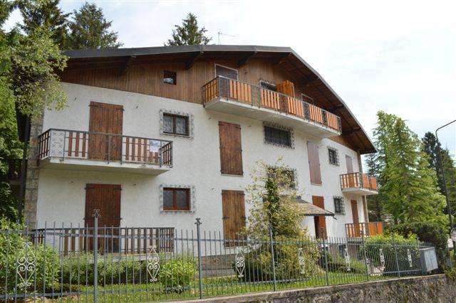 Appartamento in buone condizioni arredato in affitto Rif. 7945063