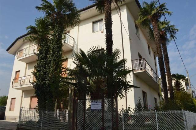 Appartamento in buone condizioni in vendita Rif. 4602269