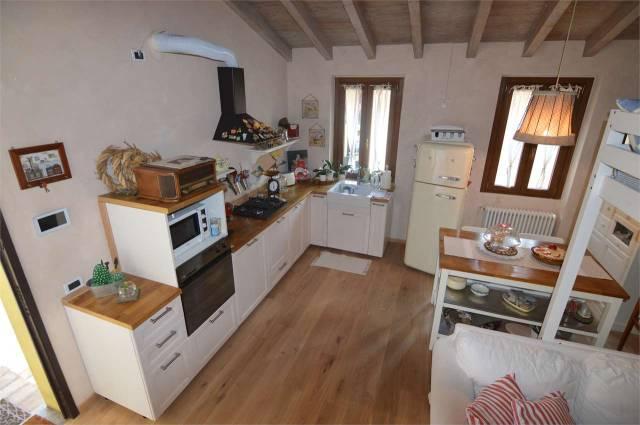 Appartamento parzialmente arredato in vendita Rif. 4602271
