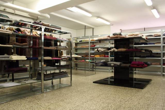Immobile Commerciale in vendita a Milano (Centro direzionale, Greco, Zara, Maciachini)-https://res.getrix.it/media/ad/63826964/1/xs.jpg