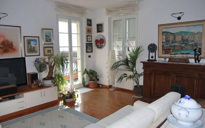 Appartamento in ottime condizioni arredato in vendita Rif. 9109477