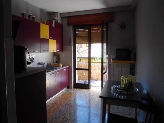 Appartamento in buone condizioni in vendita Rif. 8269122