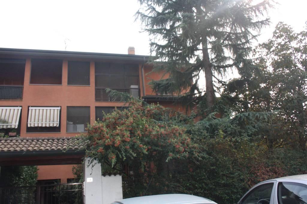 Appartamento in ottime condizioni parzialmente arredato in vendita Rif. 8804667