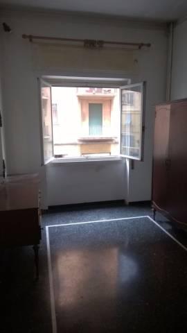 Bilocale Genova Via Trento 6
