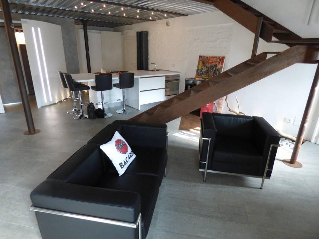 Appartamento in ottime condizioni arredato in vendita Rif. 5189533