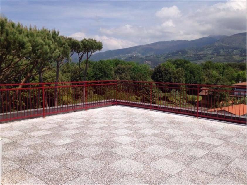 Attico / Mansarda in vendita a Forte dei Marmi, 6 locali, prezzo € 510.000 | PortaleAgenzieImmobiliari.it