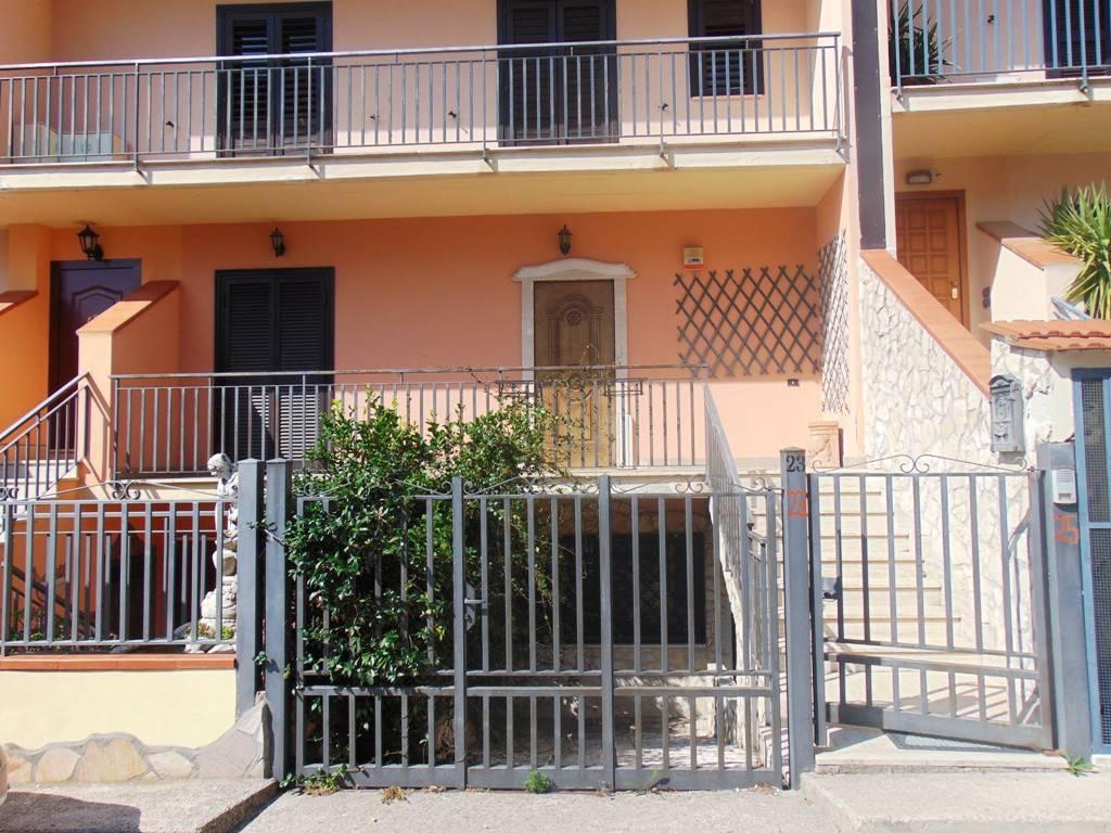 Villa in buone condizioni in vendita Rif. 7473039