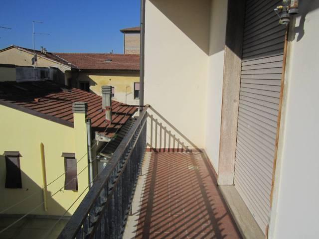 Appartamento in buone condizioni in affitto Rif. 7097355