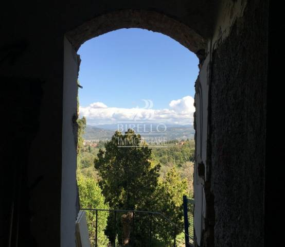 Immobile Residenziale in Vendita a Firenze  in zona Semicentro Sud