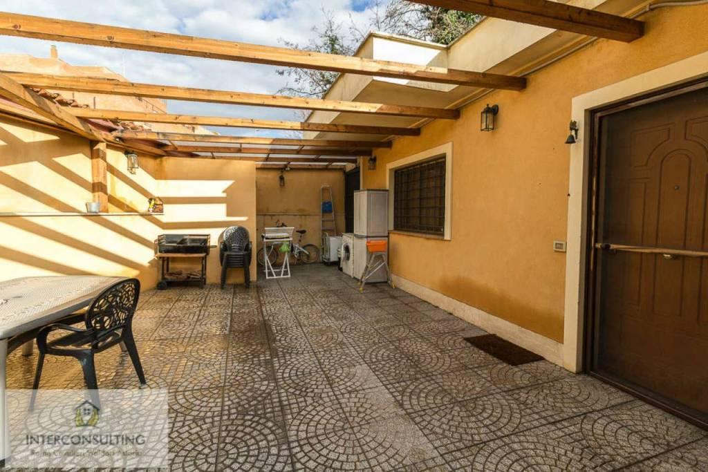 Villa in vendita a Roma, 7 locali, zona Zona: 28 . Torrevecchia - Pineta Sacchetti - Ottavia, prezzo € 645.000 | CambioCasa.it