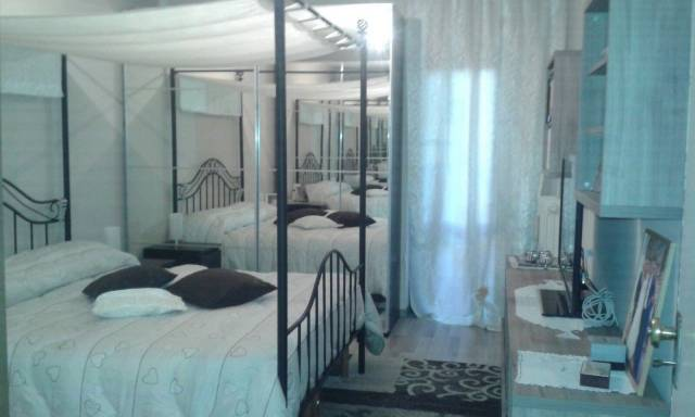 Appartamento in buone condizioni arredato in vendita Rif. 4890063