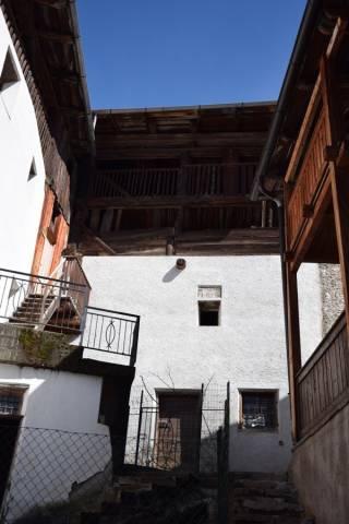 Rustico / Casale da ristrutturare in vendita Rif. 4890095