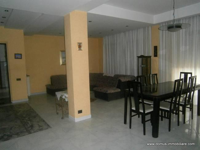 Appartamento in contesto privato completamente arredato
