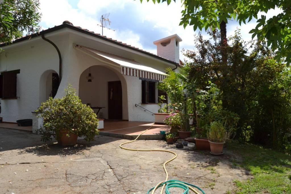 Villa in ottime condizioni arredato in affitto Rif. 6311245